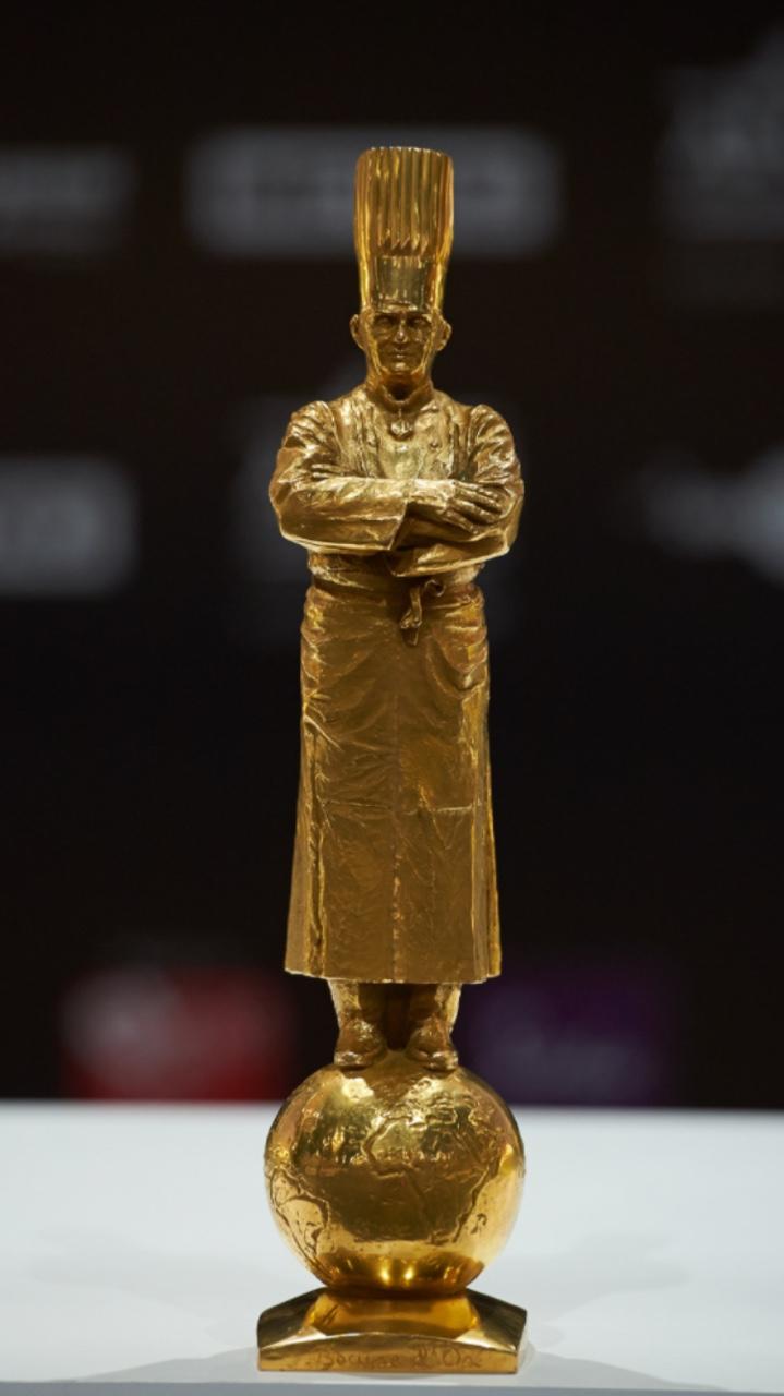 Christian-goldenstatue